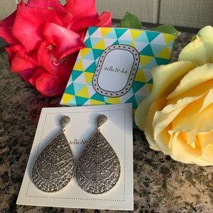 Stella & Dot Thea Lace Chandeliers Earrings